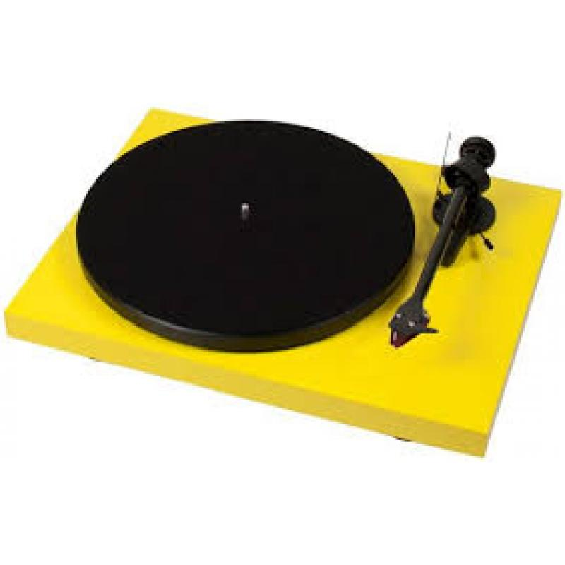 Project Debut Carbon Turntable (Yellow)